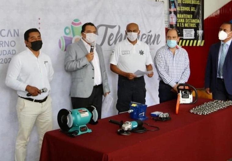 Juntan solo 13 mil pesos en colecta para equipar a bomberos de Tehuacán