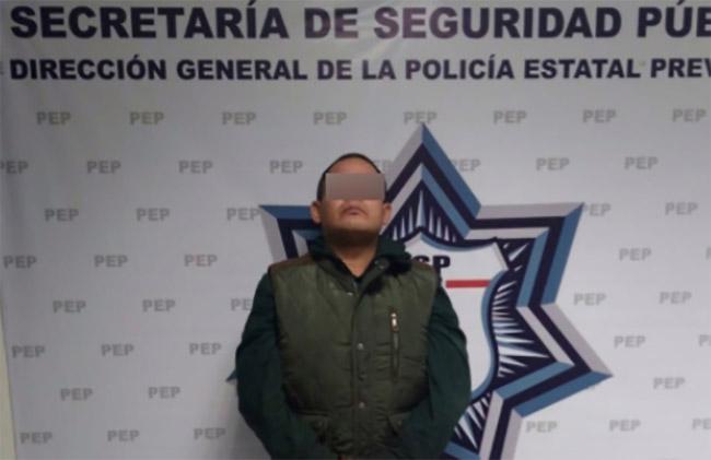 Caen sujetos que pretendían robar caja fuerte de gasolinera en Xilotzingo