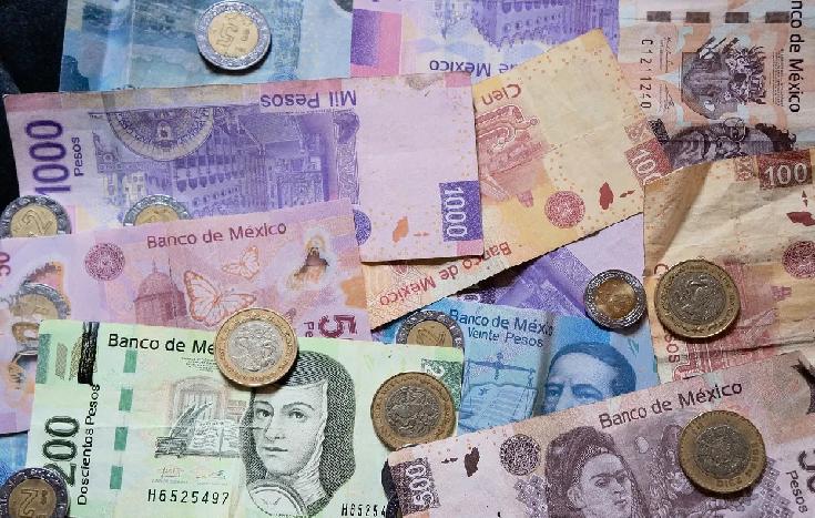 El peso mexicano se apreció frente al dólar estadounidense este miércoles