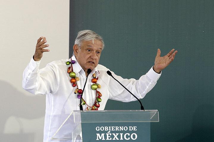 Huachicol se robó 65 mil mdp en México, denuncia AMLO