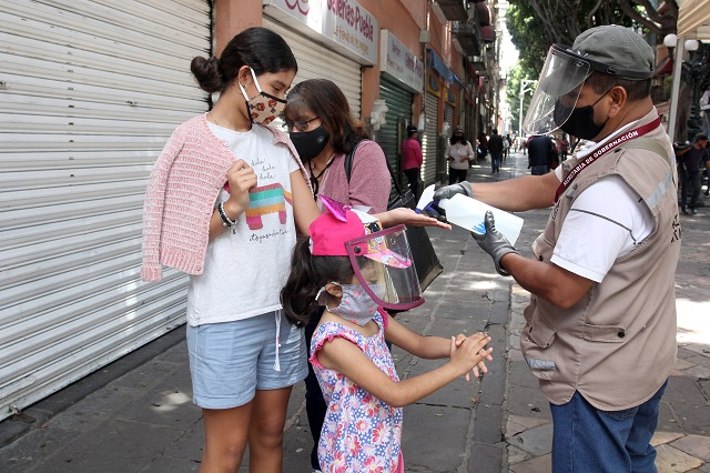 Covid provoca mil 372 contagios y 26 muertes de menores en Puebla