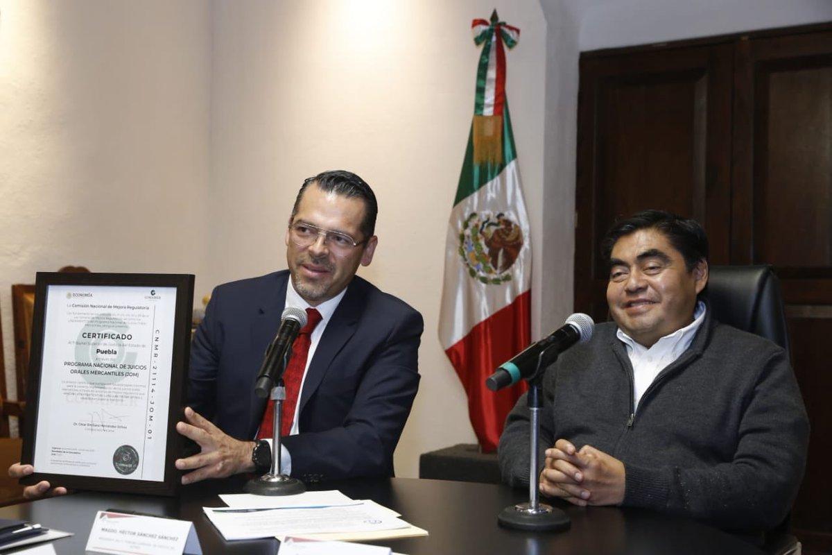 Habrá Universidad de la Salud para Médicos y Enfermeras en Puebla