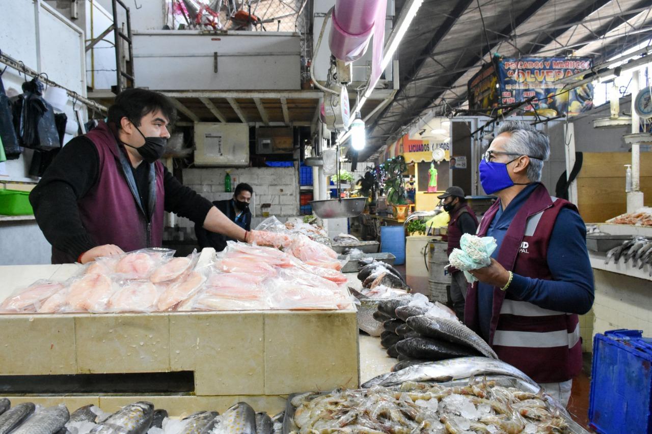 Tras reportes ciudadanos, supervisan mercado Domingo Arenas