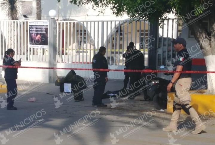 Lanzan granada a alcaldía de Tochtepec; suspenden clases