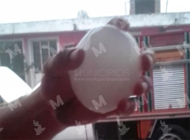 VIDEO Caen granizos gigantes durante tormenta en Cañada Morelos