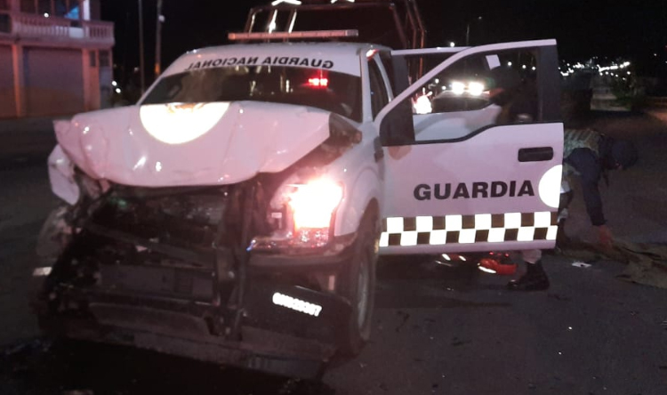 Chocan por alcance dos camionetas de la Guardia Nacional en la Puebla-Tlaxcala