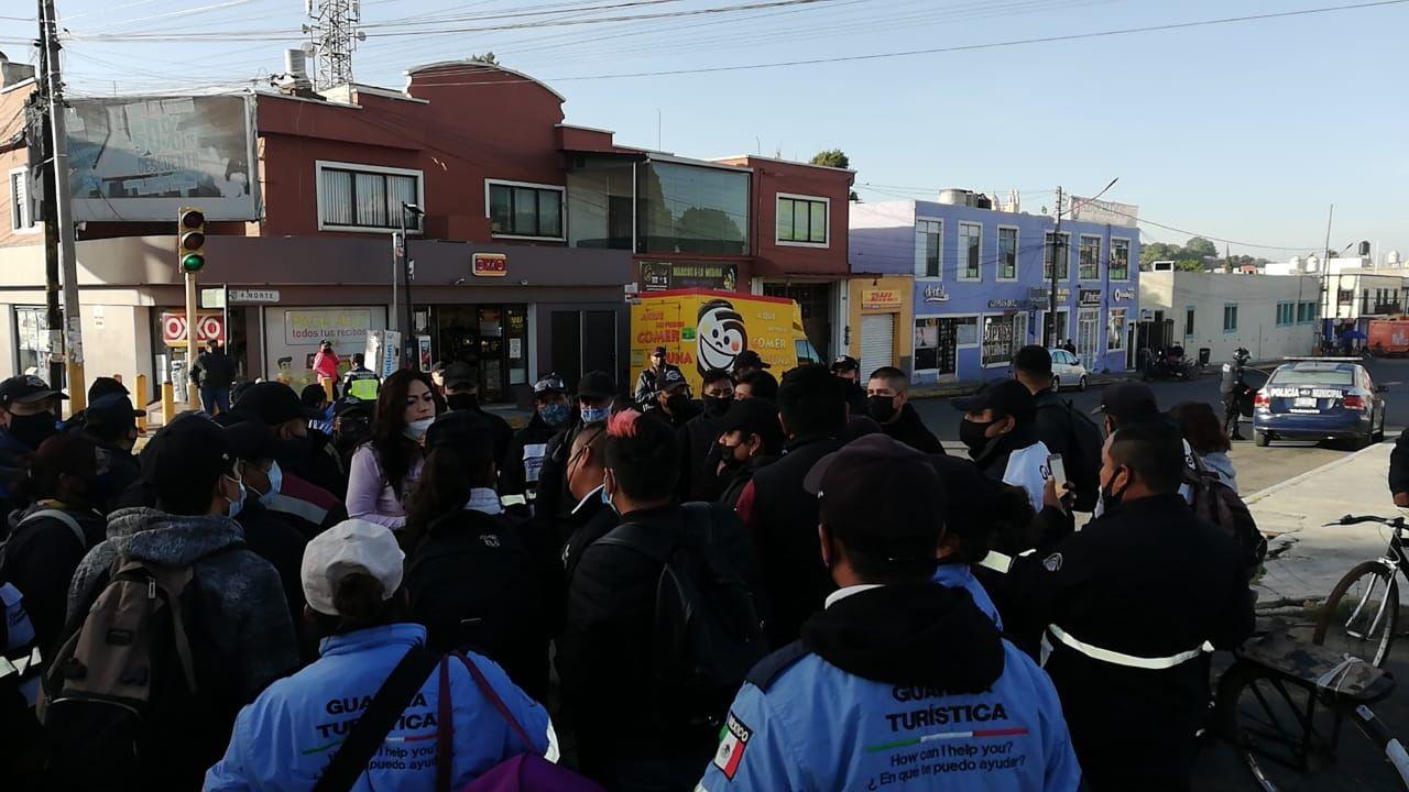 VIDEO Protestan guardias ciudadanos contra Arriaga por descuentos