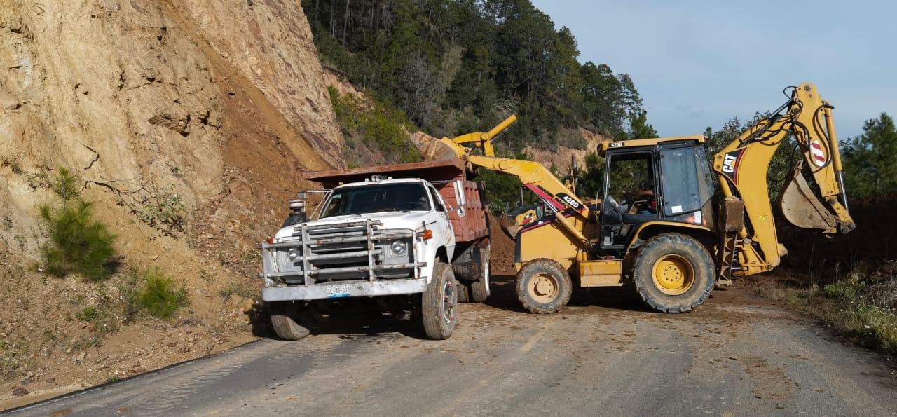 Reestablecerán comunicación vial en Tepatlán y Hermenegildo Galeana en 24 horas