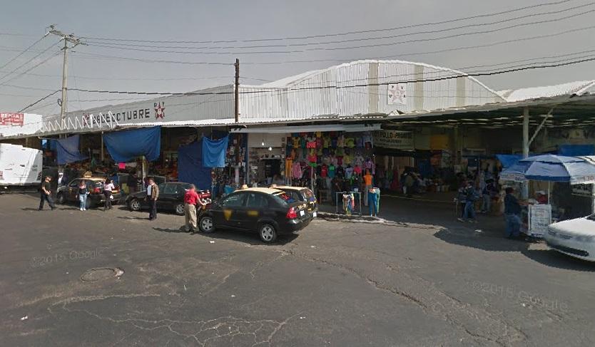 En el Mercado Hidalgo además de vender verduras realizan estriptis en locales