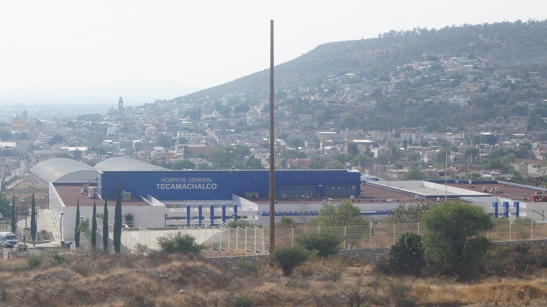 Pacientes de enfermedades crónicas exigen atención en Tecamachalco
