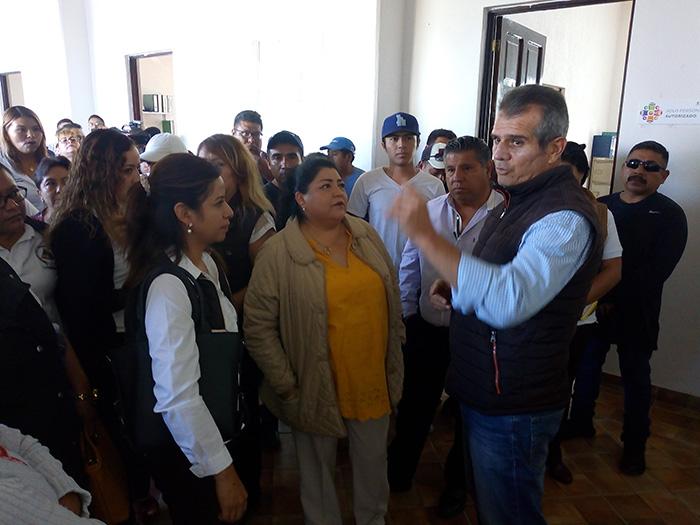 Esposo de regidora de Tehuacán lucra con el Hospital Municipal