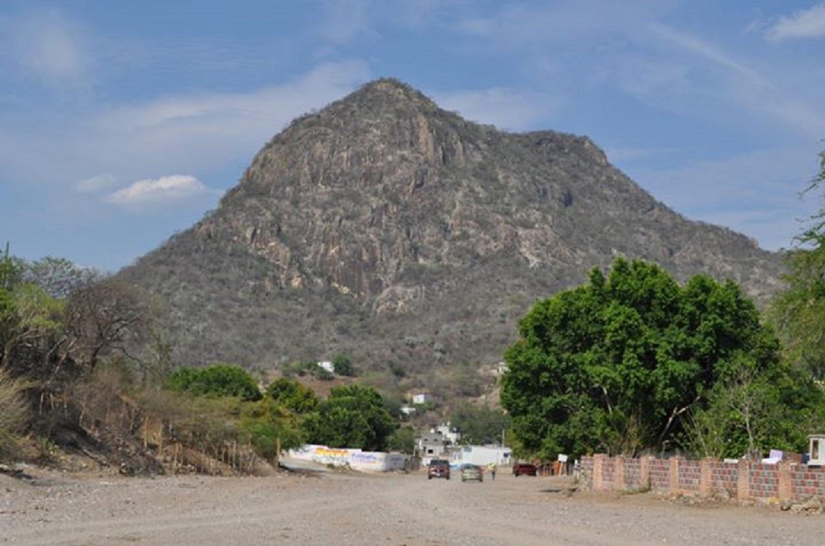 La Gran Peña, origen de mitos y leyendas en la Mixteca poblana y oaxaqueña