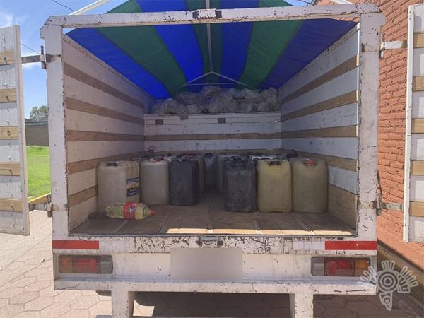 Cae huachicolero en Coronango con 640 litros de gasolina robada