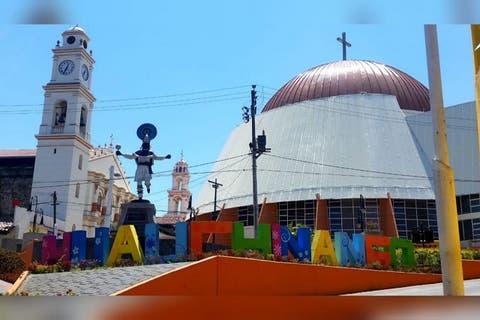 Párroco de Huauchinango condiciona obras junto a la iglesia: edil