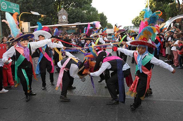 Piden a ediles auxiliares frenar baile de cuadrillas de huehues en Puebla