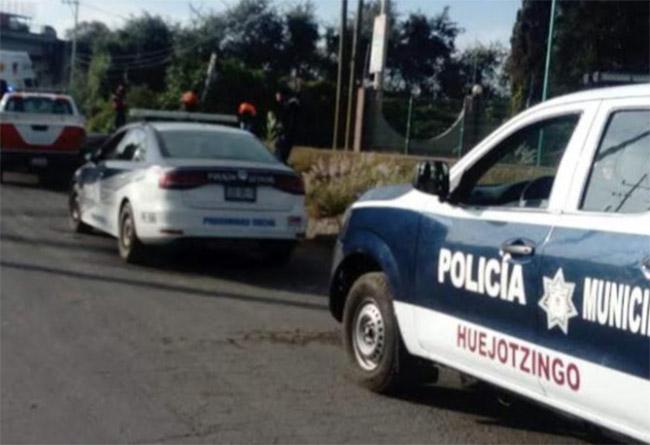 Aseguran a dos sujetos con armas de fuego y cartuchos en Huejotzingo