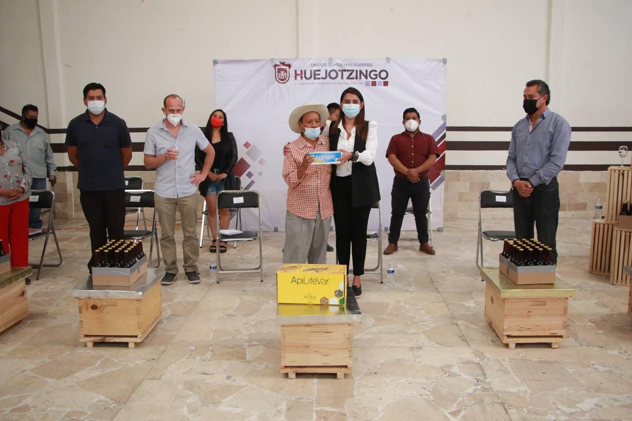 Cierra programa municipal de apoyo a productores apícolas de Huejotzingo
