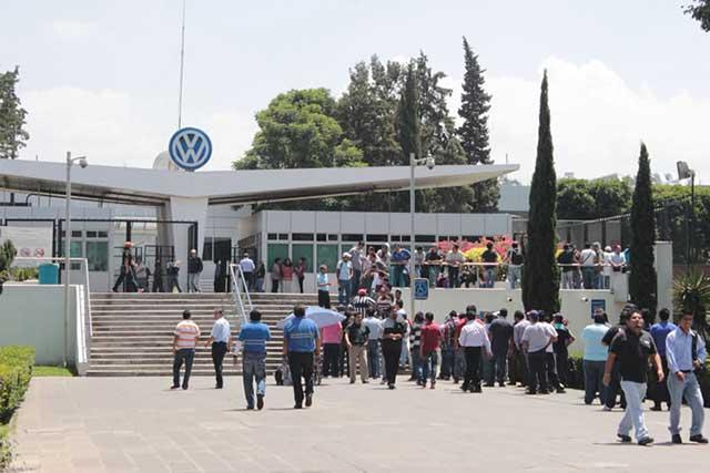 Se sancionará a Volkswagen si desacata medidas sanitarias: Barbosa