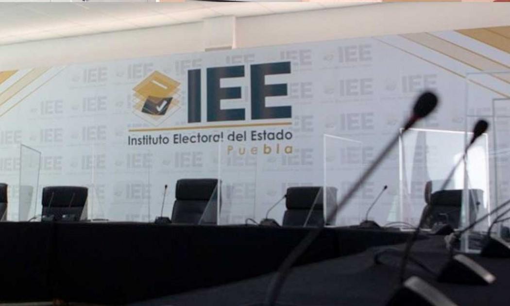 No debe meterse el gobernador en designaciones del IEE: Barbosa