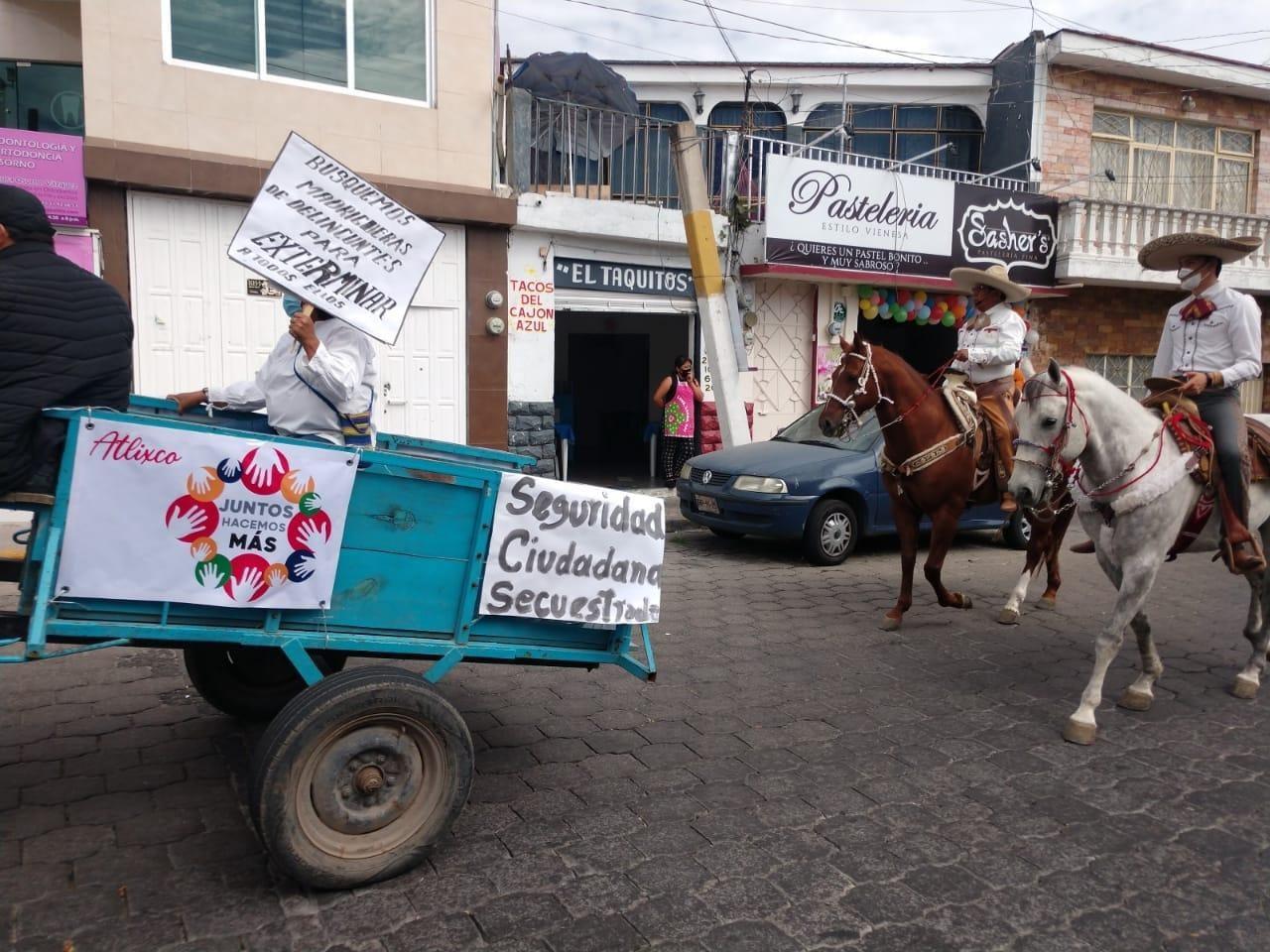 Con caravana piden en Atlixco investigar a exalcaldes
