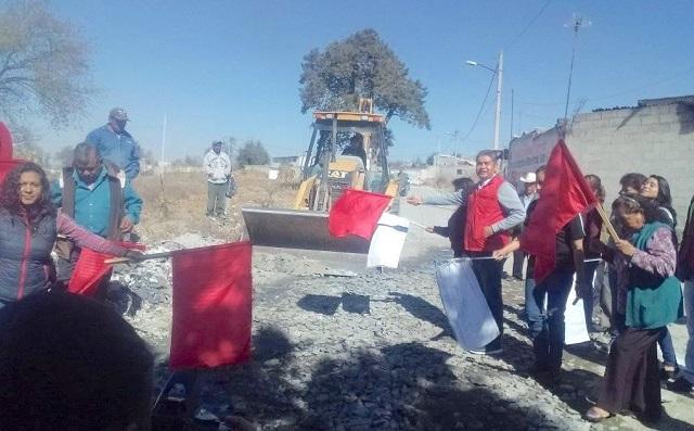 Antorcha inicia pavimentación en barrio de San Salvador El Seco