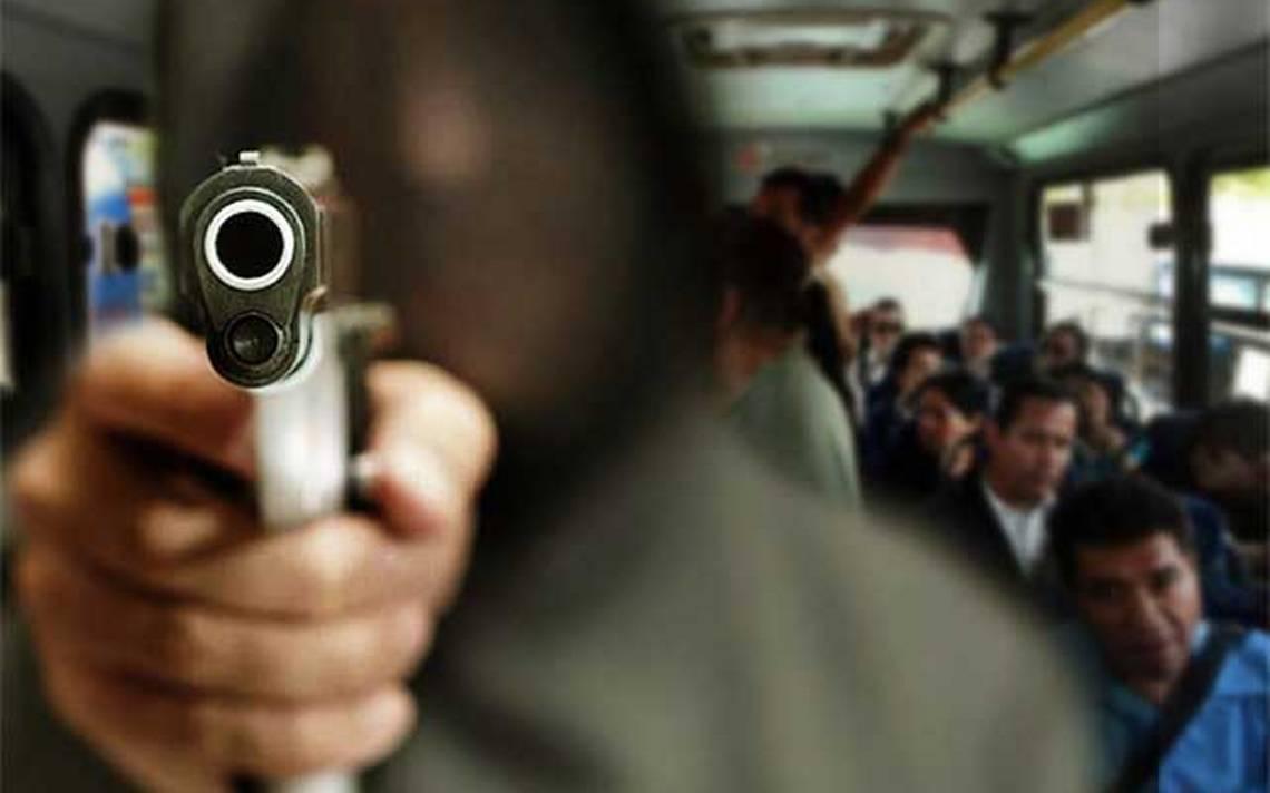 Cada día, asaltan a 11 personas en el transporte público en Puebla