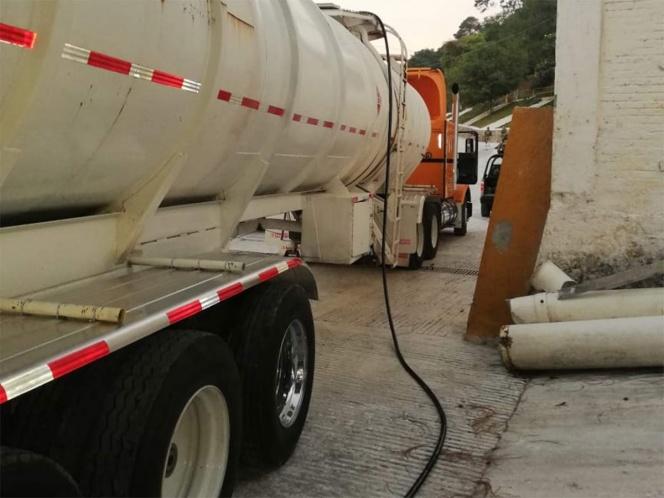 Decomisan 15 mil litros de huachicol en pipa de Huauchinango