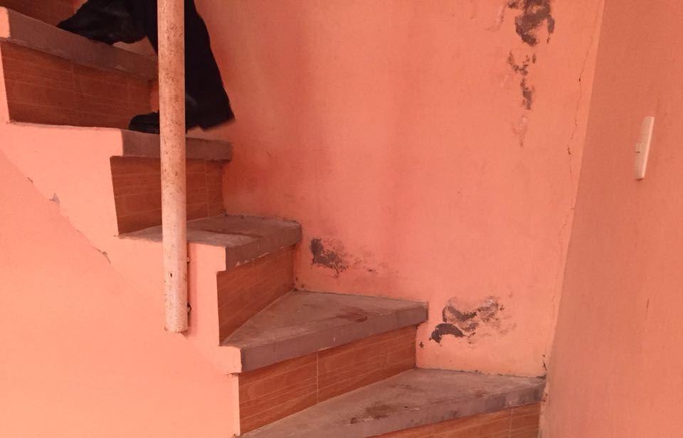 Sangriento hallazgo de cadáver en motel de Cuetzalan