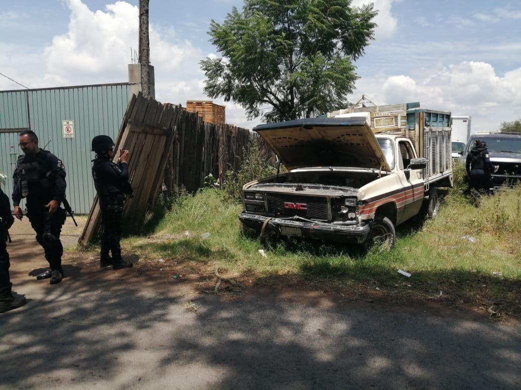Aseguran vehículos robados en cateo a predio de San Salvador El Verde
