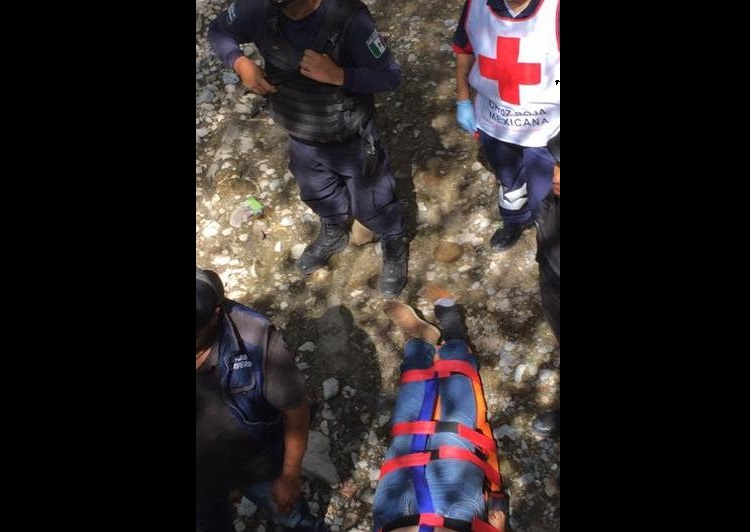 Libra un asalto pero termina en barranco de la Puebla-Tehuacán