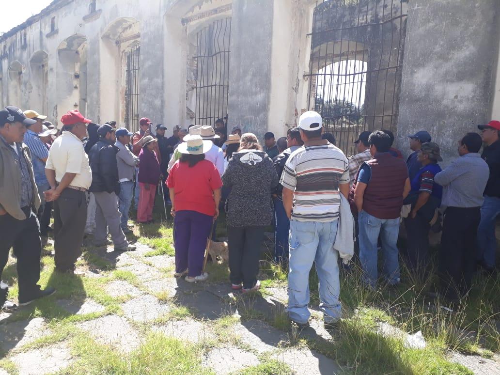 Vecinos impiden invasión de hacienda vieja en Tlalancaleca