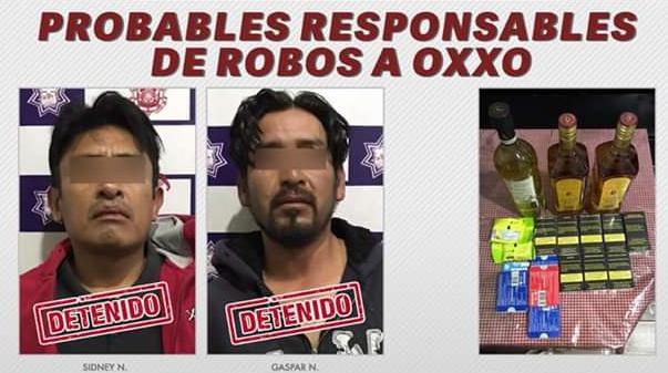 Caen asaltantes de Oxxo con golosinas, licor y cigarros en Huejotzingo