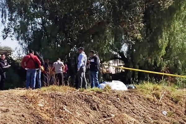 Vecinos encuentran cadáver envuelto en una cobija en Huejotzingo