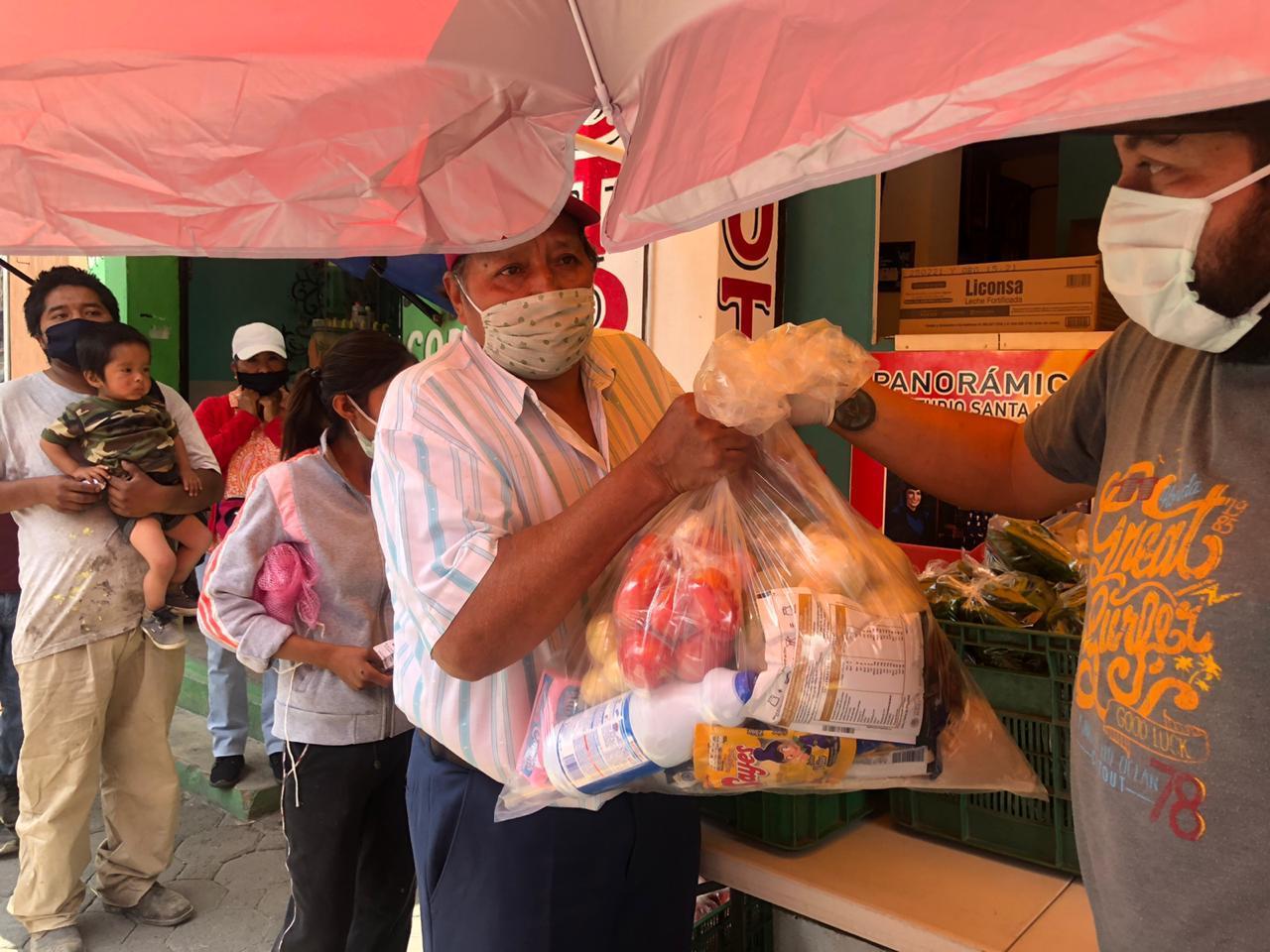 Llega donación de despensas de EEUU a familias de Huejotzingo