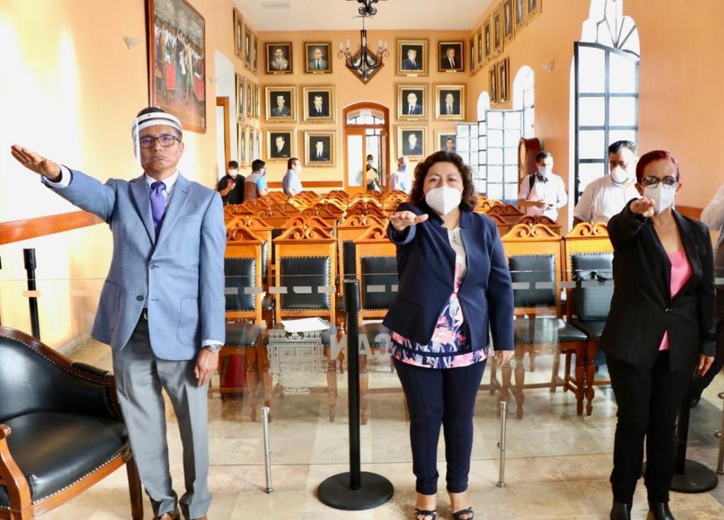 Aplica Caballero primeros cambios en Ayuntamiento de Tehuacán
