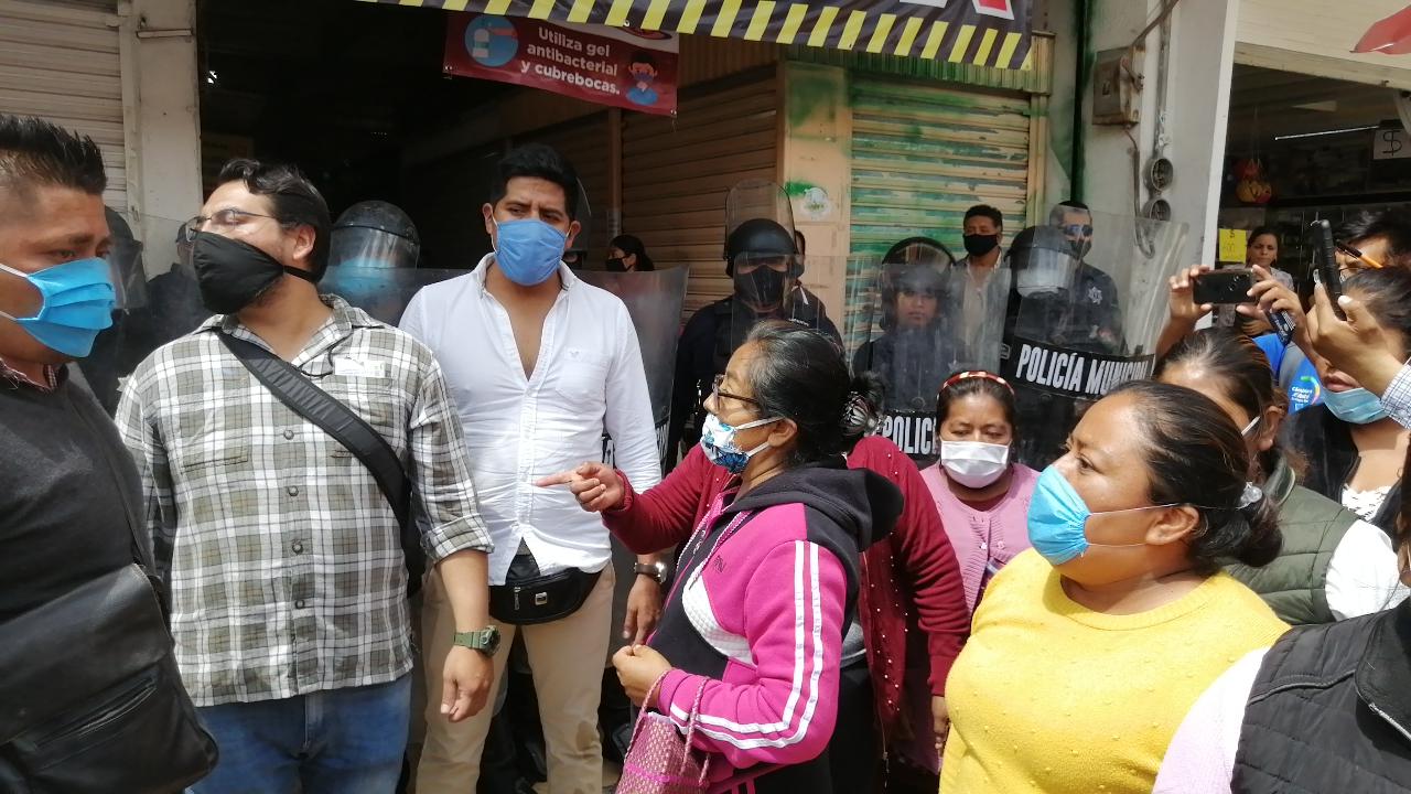Otra vez desalojan a ambulantes que vendían alimentos Tehuacán