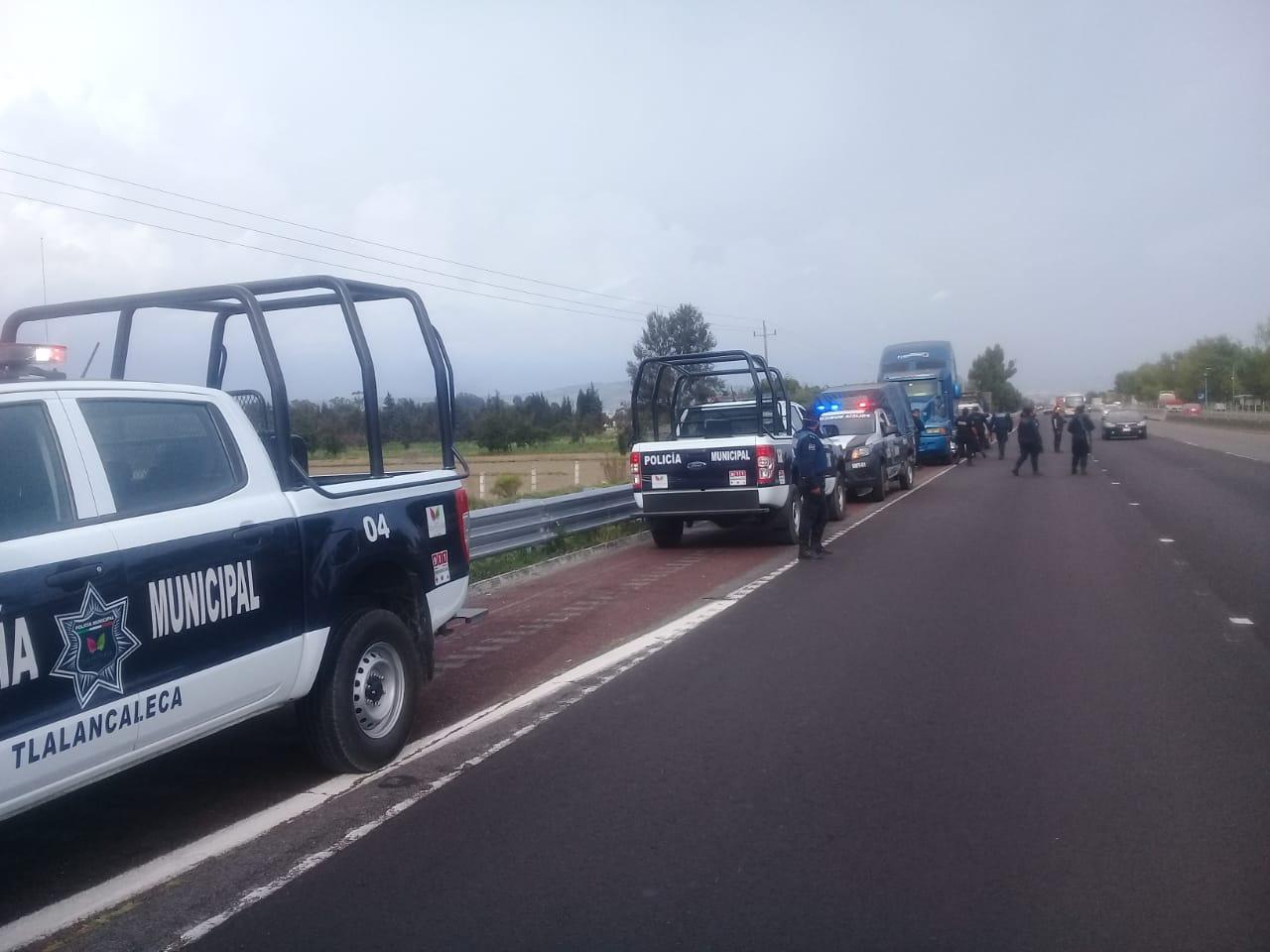 Policías de Tlalancaleca frustran segundo robo de tráiler