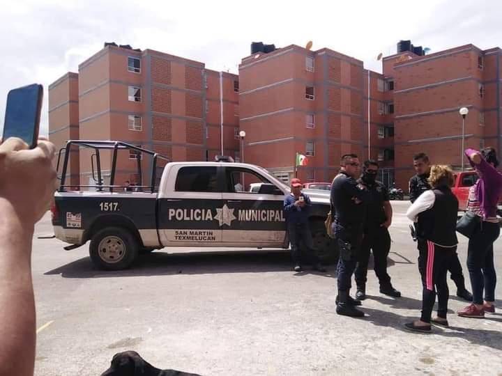 Por grabar una detención recibe amenazas de policías de Texmelucan