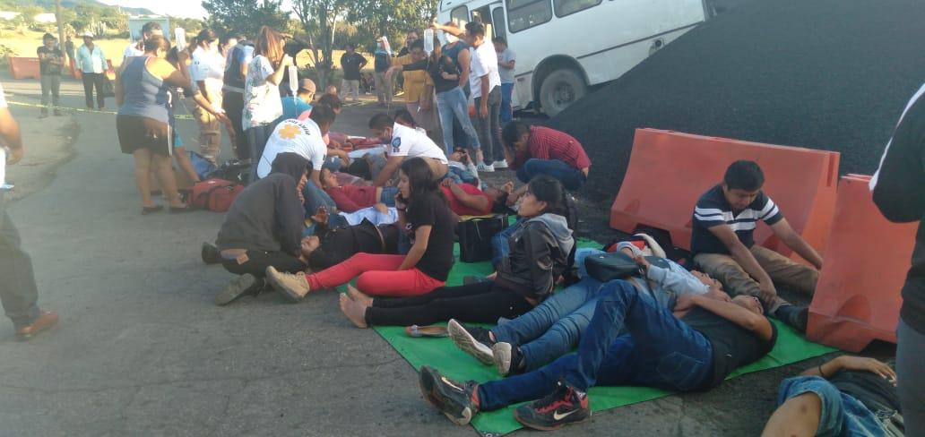 Autobús se queda sin frenos en la Sierra Negra, hay 21 heridos