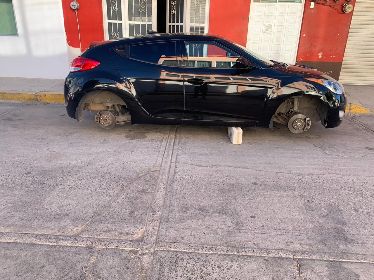 Desvalijan autos y escuelas por igual en Texmelucan