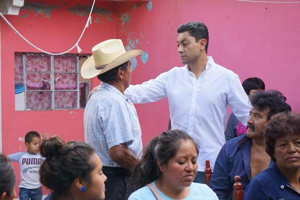 Edgar Salomón se inscribe como aspirante a alcaldía de Texmelucan por el PAN