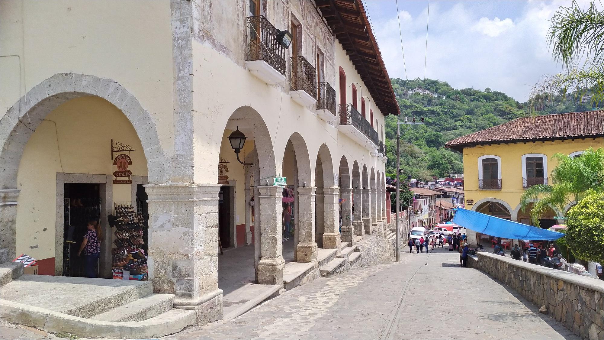 Suspenden fiestas de Pahuatlán y Xicotepec por coronavirus