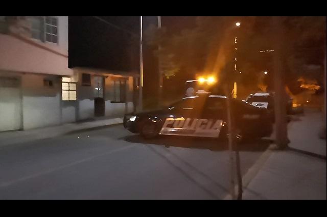 Encuentran cadáver embolsado en barranca de Puebla