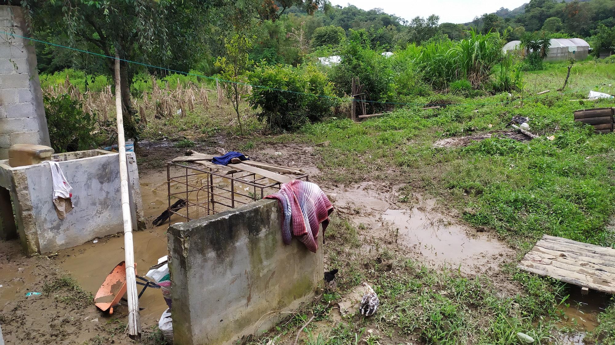 Reportan medio centenar de damnificados en Tlaola tras lluvias
