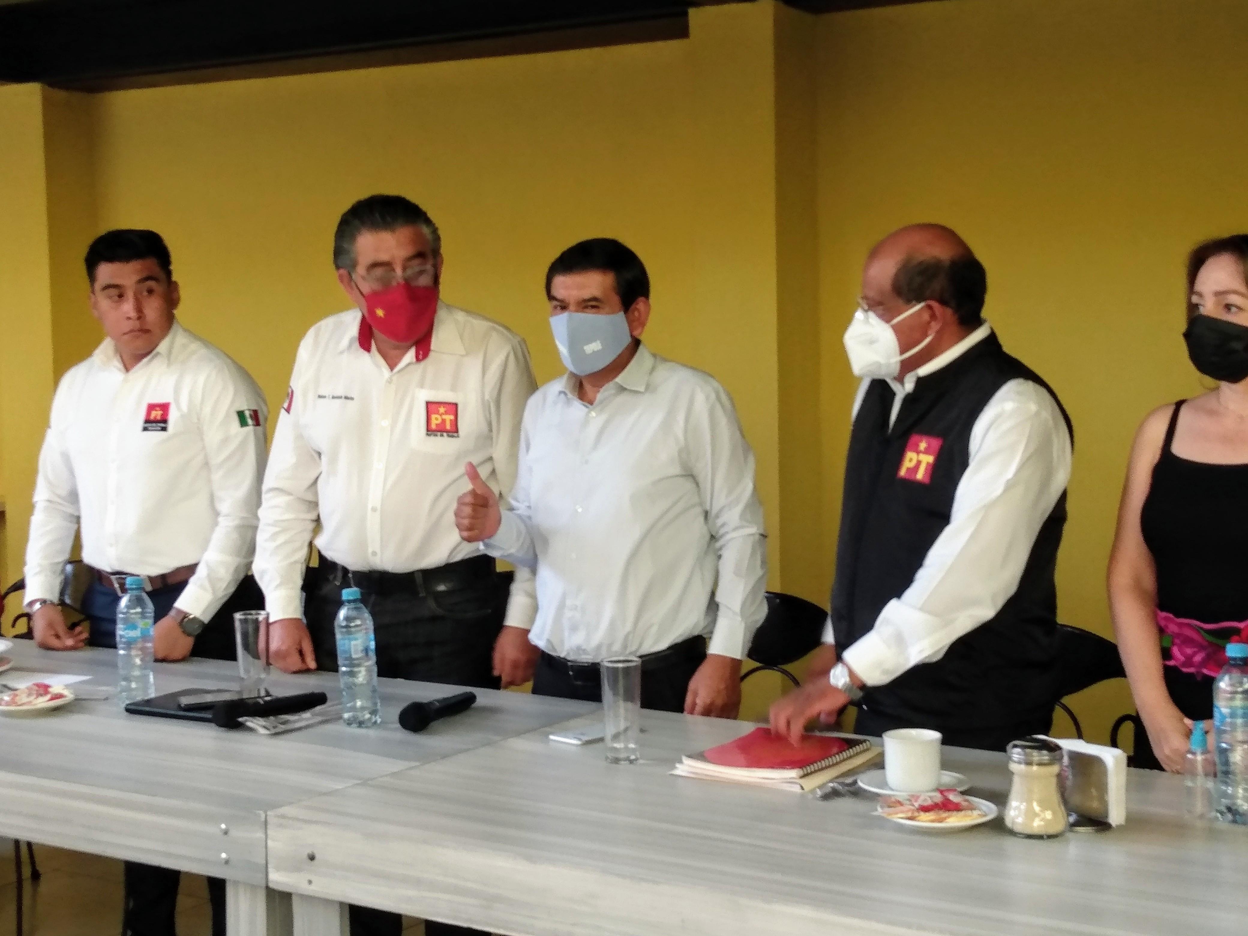Llama a la unidad de Morena el candidato a la alcaldía de Tehuacán Pedro Tepole
