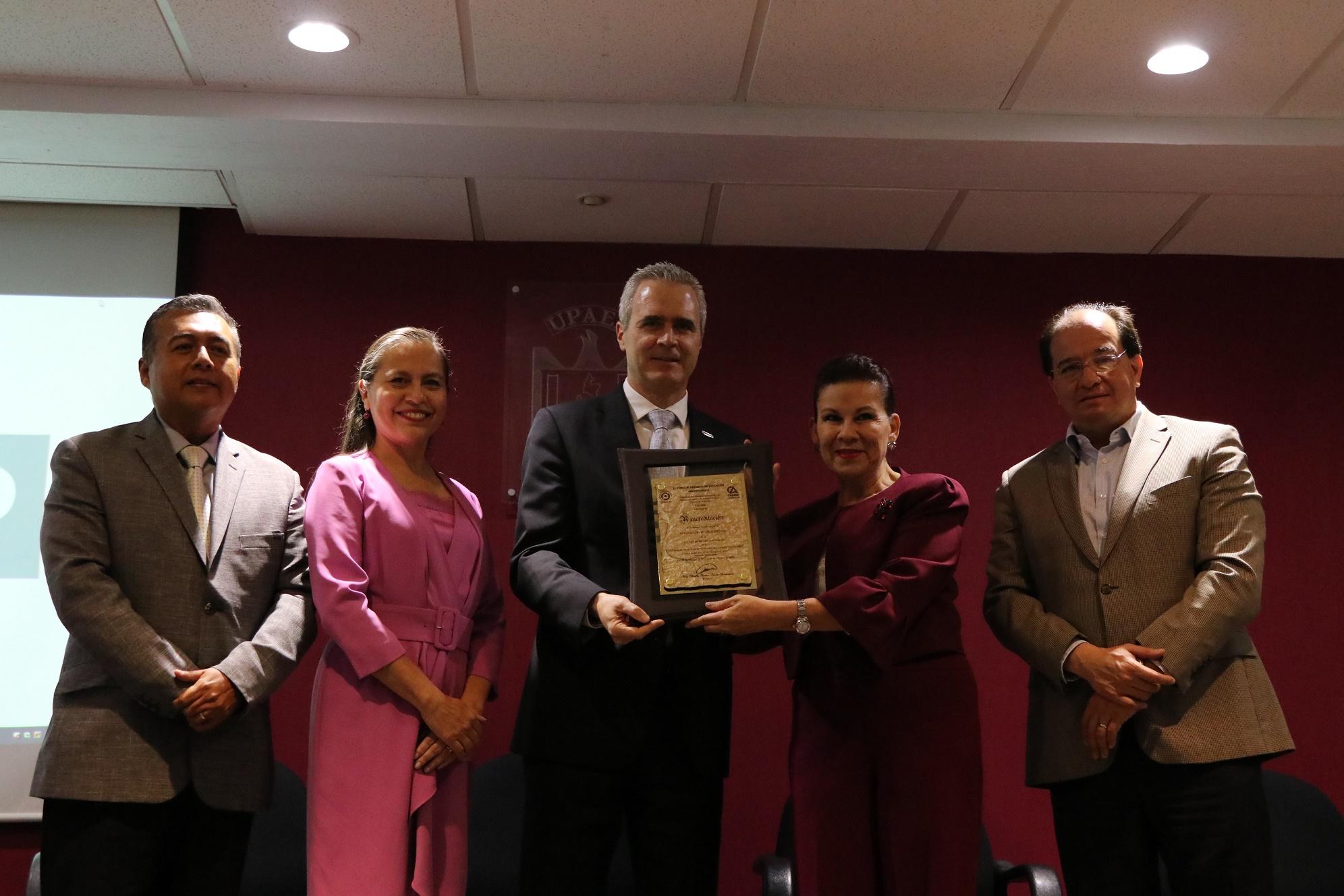 Reacreditan por 5 años más Odontología de la UPAEP