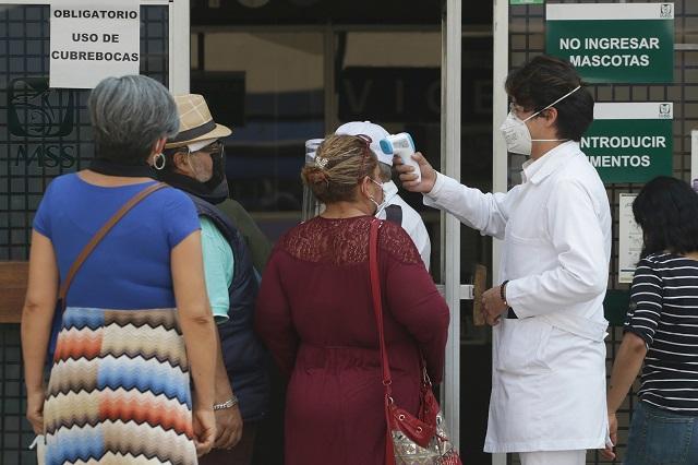 Sin freno contagios de Covid en Puebla: suman 426 en un día