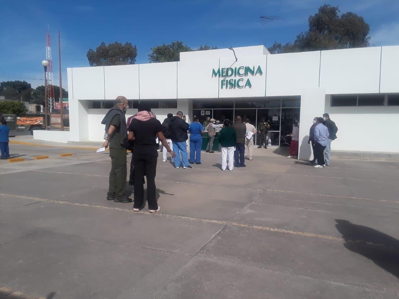Aplican vacuna contra Covid19 a personal médico en Tehuacán
