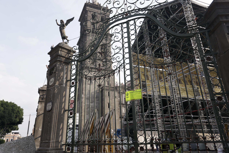 Reanudan trabajos de instalación de Capilla Sixtina en Catedral