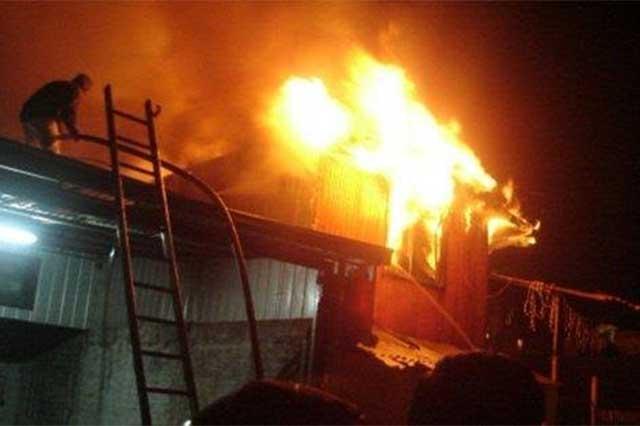 Sólo daños materiales deja incendio en Tlaxcalancingo
